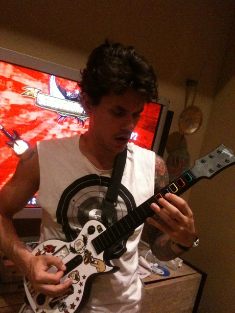 john-mayer-playing-guitar-hero-wii