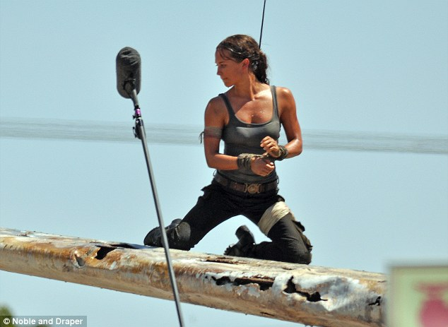 tomb-raider-movie-1